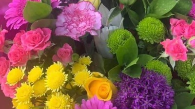 Mother's Day Flower Deliveries from Fleur de Lys