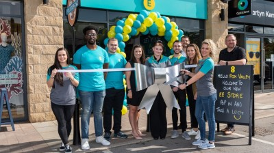 EE opens new store at Sheffield's Fox Valley